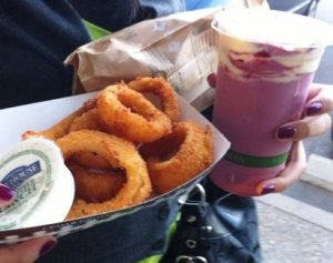 Walla Walla onion rings and Northwest Chocolate Cherry frozen yogurt smoothie from Burgerville!!  Great rings and shake!