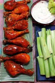 Chicken drumsticks with veggies and dip