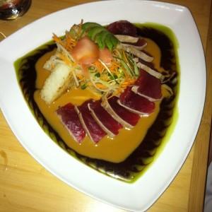 Beautifully presented ahi tuna sushi style.