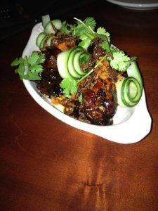 Ah-mazing chicken wings with a spicy glaze and nice crunch.  Good portion too.