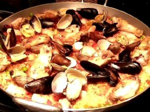 Our finished and beautiful paella.