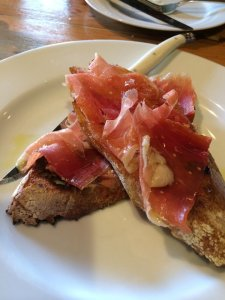Tostado con tomato with serrano ham.