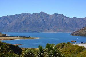 Drive by Lake Wakapitu