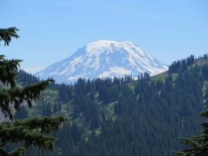 There be Mt. Rainier, nope, Mt. Adams actually!