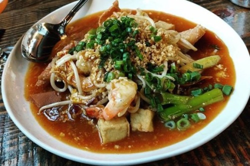 Wontons, shrimp, and tofu in pad thai sauce