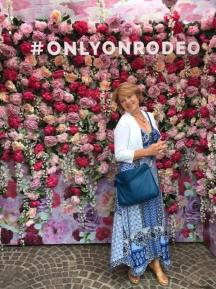 Posing in the random rose booth