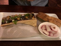 Bone marrow with oxtail